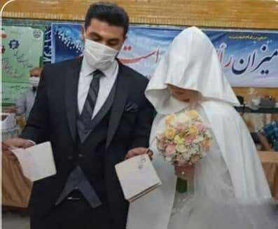 عروس و داماد کرجی پای صندوق رای