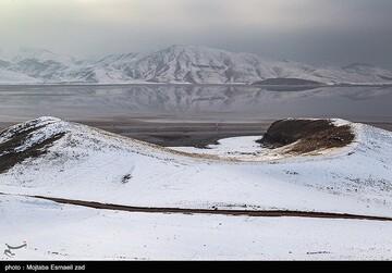 کاهش عجیب تراز آب دریاچه ارومیه
