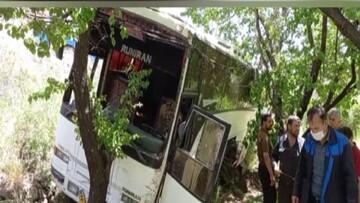 واژگونی اتوبوس مسافربری در نزدیکی دامغان / فیلم
