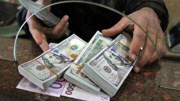 ریزش قیمت دلار در صرافیهای بانکی