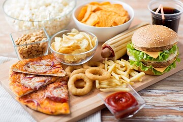 برای پیشگیری از پیری صورت این عادات بد غذایی را ترک کنید