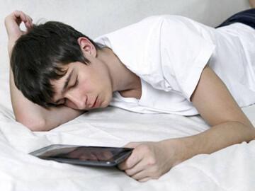مضرات بردن گوشی به رختخواب که از آن بی اطلاعید!