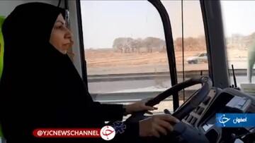 نحستین بانوی راننده اتوبوس آمبولانس در کشور / فیلم