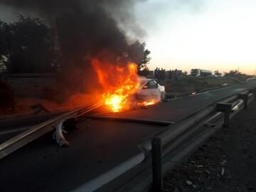 یکدستگاه سواری پژو در بزرگراه یادگار آتش گرفت / عکس