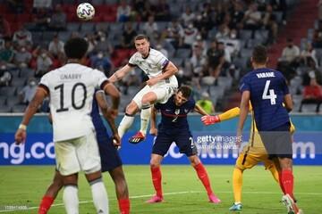 تماشای فوتبال در فضا /عکس