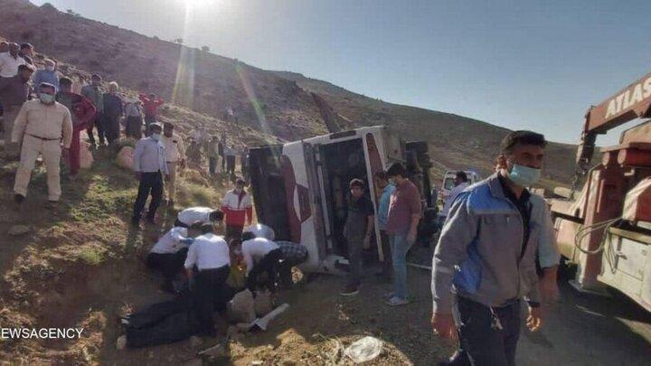 اظهارات عجیب استاندار آذربایجان غربی درباره واژگونی اتوبوس خبرنگاران: از این اتفاقات به صورت طبیعی زیاد رخ میدهد | اتوبوس قراضه نبود / فیلم