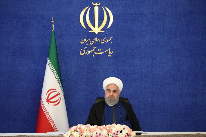 روحانی: در این دولت آب، برق را مجانی کردیم / فیلم