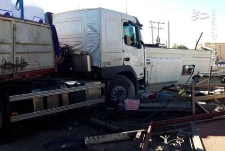 نخستین ویدیو از لحظه تصادف مرگبار اتوبوس و تریلی در یزد / فیلم