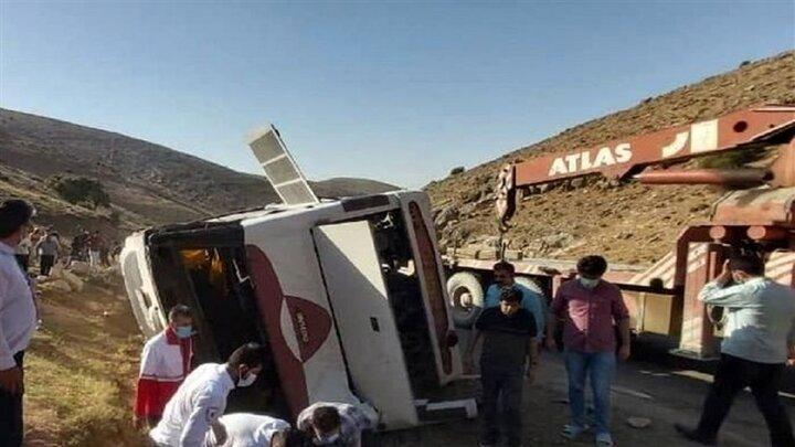 نتیجه کارشناسی علت حادثه اتوبوس خبرنگاران به زودی اعلام میشود