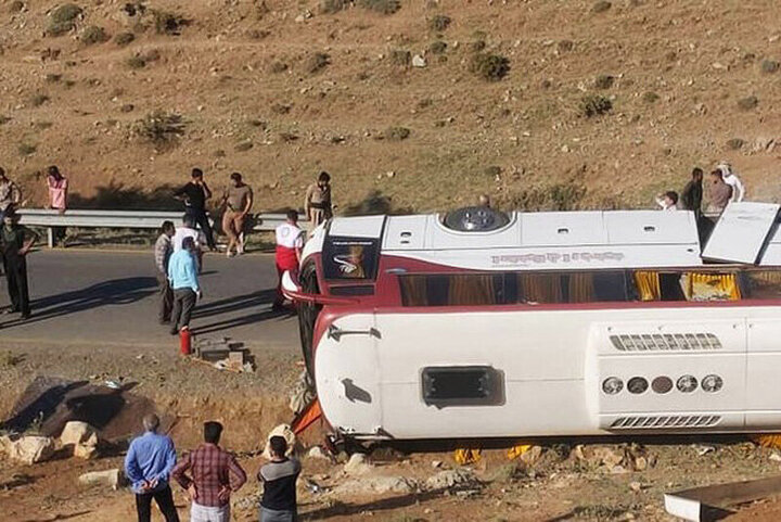 دستور وزیر راه درباره سانحه واژگونی اتوبوس خبرنگاران