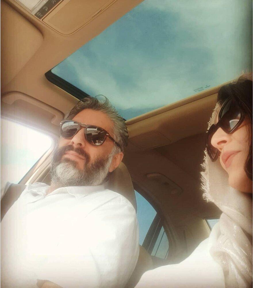 عکس جدید ساره بیات و همسرش در خودروی لاکچری