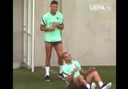 شوخی جالب رونالدو با په په در تمرین تیم ملی پرتغال / فیلم