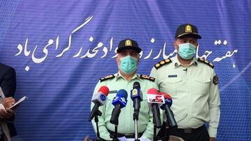 بازداشت مامور نیروی انتظامی به خاطر برخورد نامناسب با سالمندان در صف واکسن / فیلم