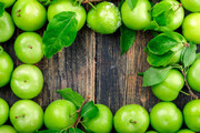 خواص بینظیر گوجه سبز برای بدن؛ از درمان یبوست و تقویت چشم تا پیشگیری از سرطان