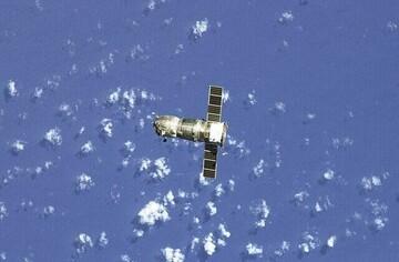لحظه فرود فضاپیمای چینی بر سطح مریخ / فیلم
