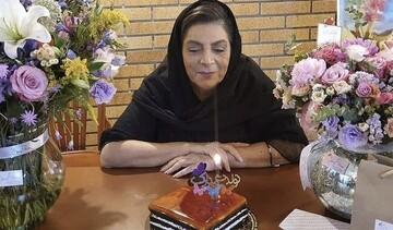اولین جشن تولد خانم بازیگر پس از فوت همسرش / فیلم