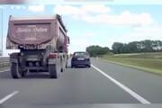 سوختگیری خطرناک و عجیب کامیون در حال حرکت / فیلم