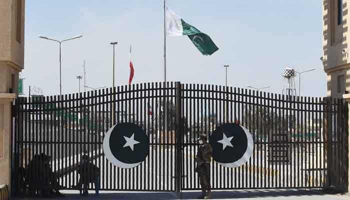 بسته شدن مرز زمینی پاکستان با ایران به علت شیوع کرونا