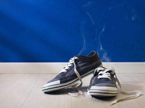 ترفندهایی ساده برای از بین بردن بوی بد کفش