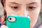 با استفاده بیش از حد فرزندمان از گوشی چه کار کنیم؟
