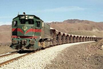 جزئیات حادثه خروج قطار باری از ریل در سمنان / ۳ نفر مصدوم شدند