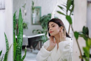 ۳ نکته مهم قبل از خرید محصولات آرایشی که میتواند از بروز فاجعه جلوگیری کند