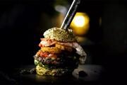 گرانقیمتترین همبرگر لاکچری در جهان به ارزش ۲۲۶ میلیون تومان! / فیلم