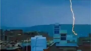 ویدیو دلخراش از مرگ ۱۱ گردشگر هنگام عکس سلفی گرفتن بر روی یک برج در هند