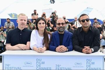 تصاویری از حضور عوامل فیلم «قهرمان» در اختتامیه جشنواره کن / فیلم