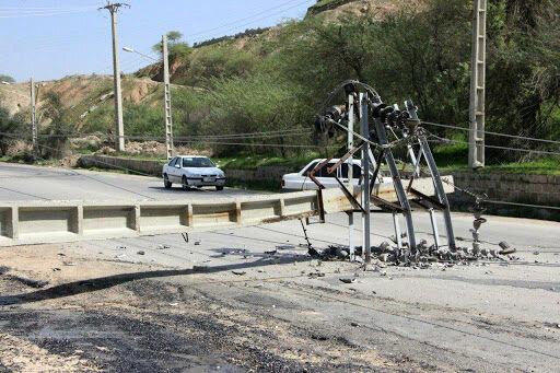 طوفان در سیستان و بلوچستان؛ ۱۰۰ تیر برق در دلگان سقوط کرد!