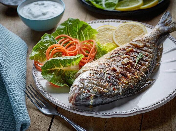 خطرات مصرف ماهی با ماست یا دوغ