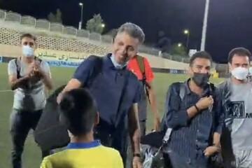 شوخی جالب عادل فردوسیپور با پسر فوتبالیست مشهور / فیلم