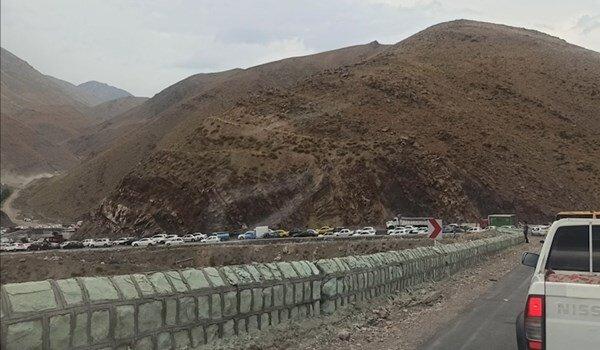ترافیک شدید در محور هراز با اعلام ممنوعیت ورود خودروهای غیربومی به مازندران / فیلم