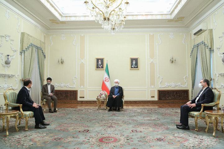 روحانی: استفاده از پولهایمان در بانکهای کُره حق ماست