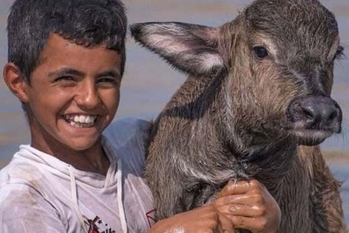 خنده این نوجوان خوزستانی سوژه رسانه ها شد / فیلم