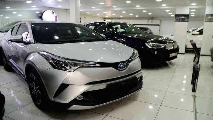 نوسانات عجیب و غریب در بازار خودرو / معامله خودرو تا ۵۰ درصد کاهش یافت