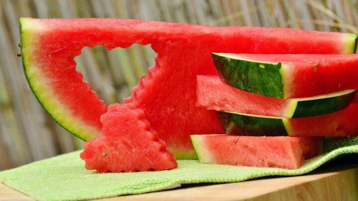 فواید مصرف هندوانه برای زنان باردار؛ از  افزایش سطح انرژی بدن تا کاهش تورم دست و پا