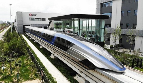 ساخت سریعترین وسیله نقلیه زمینی جهان در چین / فیلم و عکس