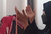 واکنش احساسی مادر جواد فروغی پس از کسب مدال طلای المپیک توسط پسرش / فیلم