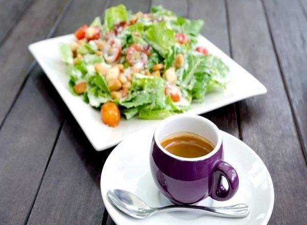 قهوه یا چای؛ کدام یک خطر ابتلا به کرونا را کاهش میدهد؟