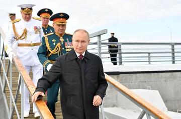 پوتین: نیروی دریایی روسیه قادر به تشخیص هر دشمنی است