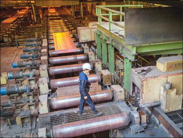 کاهش درآمد چندصد میلیارد تومانی با قطع برق در صنایع سیمان و فولاد