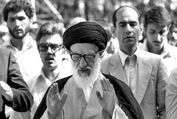 وقایع ۵ مرداد / عملیات مرصاد / اقامه اولین نماز جمعه رسمی در تهران / مرگ محمدرضا پهلوی