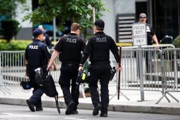 رفتار ناپسند و خشن پلیس آمریکا با یک پیرمرد ۷۵ ساله /  فیلم