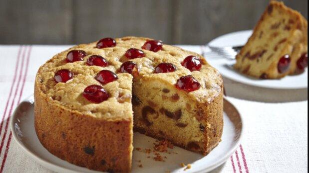 دستور پخت کیک آلبالو خوشمزه و آسان