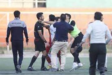 روز سیاه فوتبال؛ کتککاری وحشیانه در کرج! / فیلم