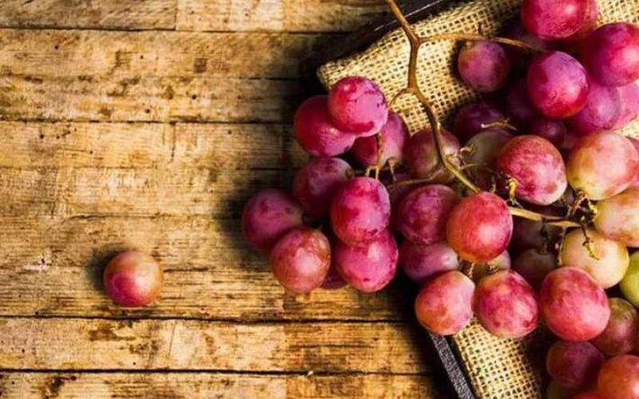 خواص شگفتانگیز مصرف انگور قرمز را بشناسید