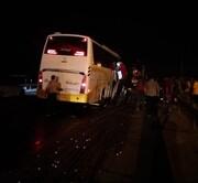 تصادف خونین اتوبوس با تریلر در جاده کاشان- قم / آمار مصدومان اعلام شد
