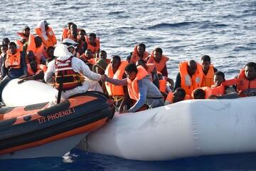 ۷۰۰ پناهجو در آبهای مدیترانه نجات پیدا کردند