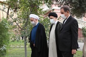 روحانی دفتر ریاستجمهوری را تحویل رییسی داد